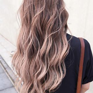 外国人風カラー ハイライト ガーリー ローライト ヘアスタイルや髪型の写真・画像