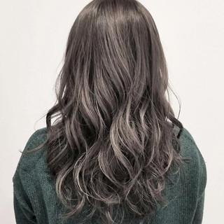 ハイライト デート 大人かわいい ナチュラル ヘアスタイルや髪型の写真・画像