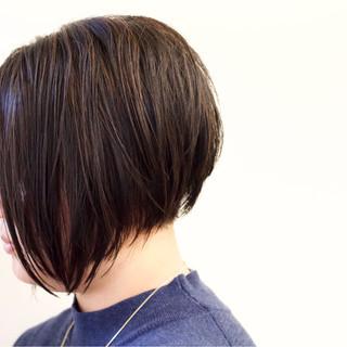 モード ハイライト 黒髪 前下がり ヘアスタイルや髪型の写真・画像