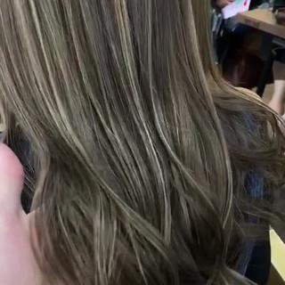 透明感カラー ハイライト サーフスタイル ロング ヘアスタイルや髪型の写真・画像