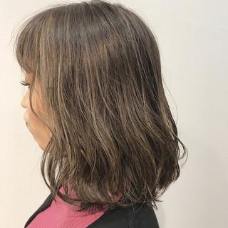 ベージュ デート ボブ ヌーディーベージュ ヘアスタイルや髪型の写真・画像