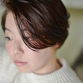 ハイライト ショート 冬 暗髪 ヘアスタイルや髪型の写真・画像