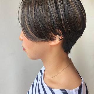 ストリート ショートボブ ハンサムショート 黒髪 ヘアスタイルや髪型の写真・画像