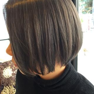 暗髪 アッシュベージュ 外国人風 アッシュ ヘアスタイルや髪型の写真・画像