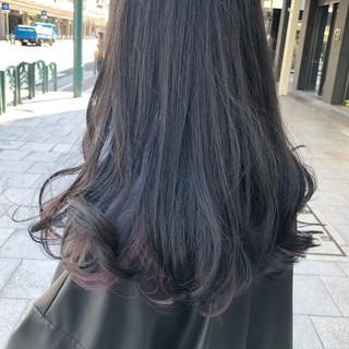 インナーブルー ブリーチ ロング ナチュラル ヘアスタイルや髪型の写真・画像 ヘアスタイルや髪型の写真・画像