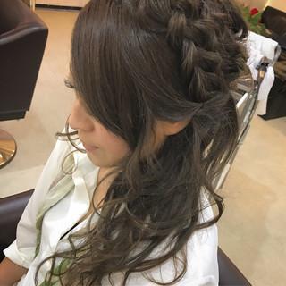 セミロング 涼しげ 編み込み ナチュラル ヘアスタイルや髪型の写真・画像