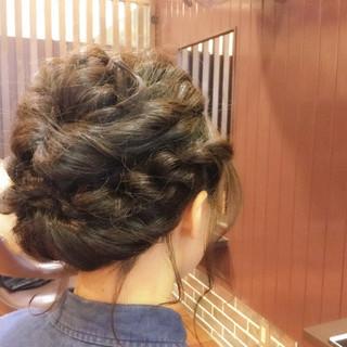ヘアアレンジ ミディアム エレガント 上品 ヘアスタイルや髪型の写真・画像