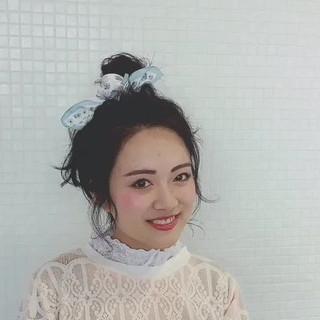 ロング お団子 簡単ヘアアレンジ ガーリー ヘアスタイルや髪型の写真・画像