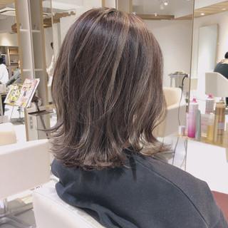 グラデーションカラー セミロング 3Dカラー バレイヤージュ ヘアスタイルや髪型の写真・画像