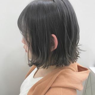 アッシュグレー アッシュ ホワイトグレージュ アッシュグレージュ ヘアスタイルや髪型の写真・画像