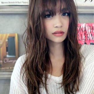 前髪あり フェミニン ナチュラル 外国人風 ヘアスタイルや髪型の写真・画像 ヘアスタイルや髪型の写真・画像
