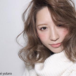 外国人風 ミディアム ガーリー グラデーションカラー ヘアスタイルや髪型の写真・画像