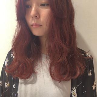 イルミナカラー ガーリー ピンク ロング ヘアスタイルや髪型の写真・画像