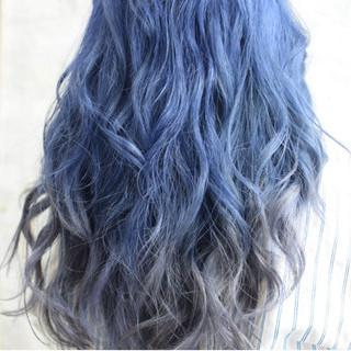 グラデーションカラー セミロング ネイビー ブルーグラデーション ヘアスタイルや髪型の写真・画像