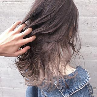 ロング インナーカラー インナーカラーパープル ナチュラル ヘアスタイルや髪型の写真・画像