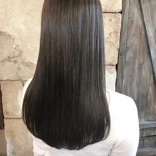 グレージュ ミディアム クールロング ナチュラル ヘアスタイルや髪型の写真・画像