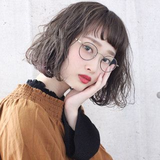 アンニュイほつれヘア ミルクティーベージュ ボブ ミルクティーアッシュ ヘアスタイルや髪型の写真・画像