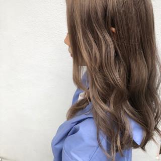ミルクティーベージュ ミルクティーアッシュ ナチュラル ロング ヘアスタイルや髪型の写真・画像
