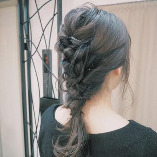 外国人風 ロング 簡単ヘアアレンジ くるりんぱ ヘアスタイルや髪型の写真・画像