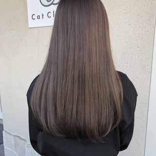 オフィス ハイライト グレージュ ロング ヘアスタイルや髪型の写真・画像