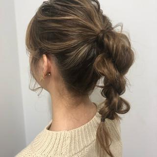 フェミニン 簡単ヘアアレンジ オフィス ミディアム ヘアスタイルや髪型の写真・画像