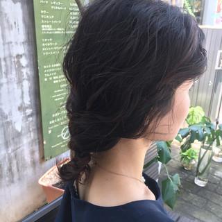 アンニュイ ウェーブ ミディアム 涼しげ ヘアスタイルや髪型の写真・画像