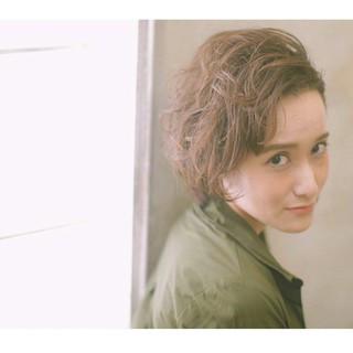 マニッシュ ベリーショート パーマ 外国人風 ヘアスタイルや髪型の写真・画像 ヘアスタイルや髪型の写真・画像