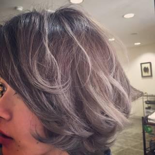 グラデーションカラー ボブ グレーアッシュ 暗髪 ヘアスタイルや髪型の写真・画像 ヘアスタイルや髪型の写真・画像