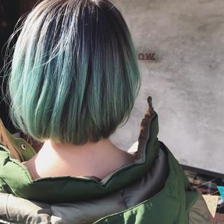 ブリーチ ダブルカラー ボブ ブルー ヘアスタイルや髪型の写真・画像