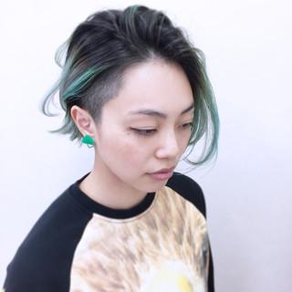グリーン ハイトーン ストリート グラデーションカラー ヘアスタイルや髪型の写真・画像 ヘアスタイルや髪型の写真・画像