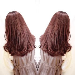 ピンクヘア ピンク フェミニン ピンクアッシュ ヘアスタイルや髪型の写真・画像