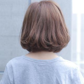 ミルクティー デート ボブ ナチュラル ヘアスタイルや髪型の写真・画像