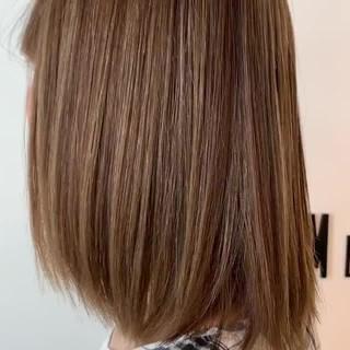 フェミニン ボブ 大人可愛い 透明感カラー ヘアスタイルや髪型の写真・画像