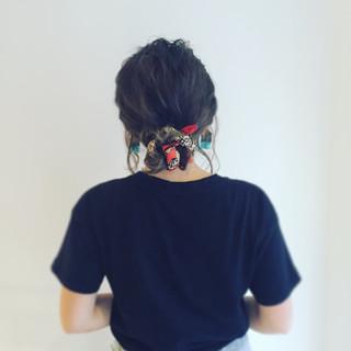 バンダナ くせ毛風 色気 ヘアアレンジ ヘアスタイルや髪型の写真・画像