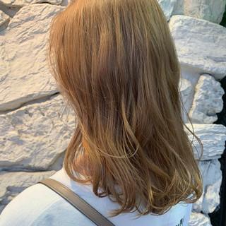 ミディアム ストリート 金髪 ブロンドカラー ヘアスタイルや髪型の写真・画像