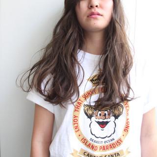 アッシュ ロング ストリート 外国人風カラー ヘアスタイルや髪型の写真・画像