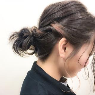 暗髪 ハイライト ミディアム 簡単ヘアアレンジ ヘアスタイルや髪型の写真・画像