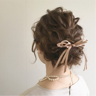 ガーリー ヘアアレンジ 結婚式 ナチュラル ヘアスタイルや髪型の写真・画像