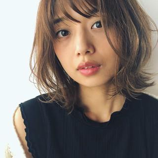 ミディアム 大人カジュアル レイヤースタイル エレガント ヘアスタイルや髪型の写真・画像