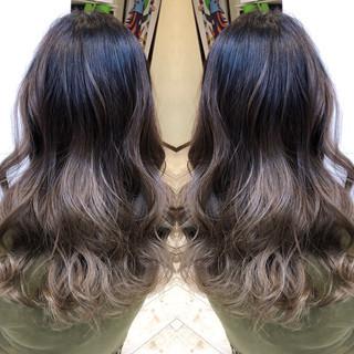 エレガント セミロング 3Dハイライト バレイヤージュ ヘアスタイルや髪型の写真・画像