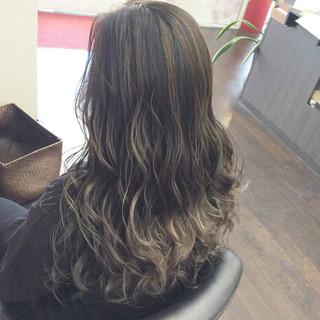 ハイトーンカラー 大人ハイライト セミロング モード ヘアスタイルや髪型の写真・画像
