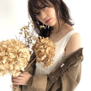 秋 ミディアム ナチュラル 透明感 ヘアスタイルや髪型の写真・画像