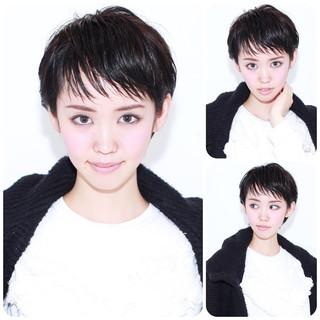暗髪 ショート ナチュラル 黒髪 ヘアスタイルや髪型の写真・画像 ヘアスタイルや髪型の写真・画像