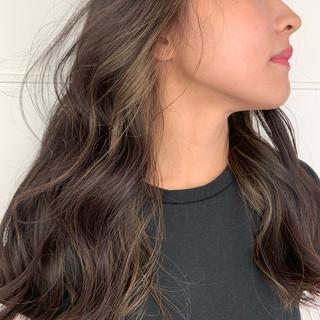 ロング 暗髪 ハイライト インナーカラー ヘアスタイルや髪型の写真・画像