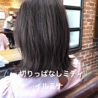 ブルージュ グレージュ パーマ イルミナカラー ヘアスタイルや髪型の写真・画像