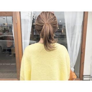 ハイライト ポニーテール ミルクティーベージュ 簡単ヘアアレンジ ヘアスタイルや髪型の写真・画像