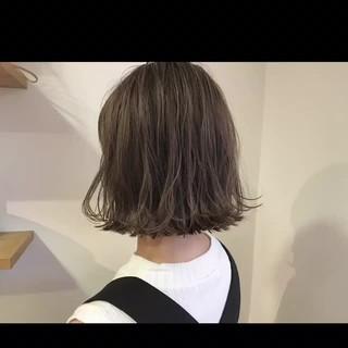 リラックス ハイライト ナチュラル デート ヘアスタイルや髪型の写真・画像