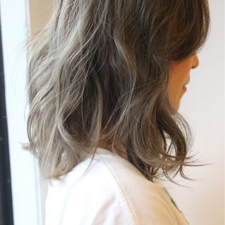 ミディアム ストリート グレージュ 女子力 ヘアスタイルや髪型の写真・画像