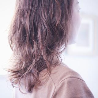 パーマ 無造作パーマ ゆるふわパーマ ナチュラル ヘアスタイルや髪型の写真・画像
