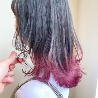 グラデーションカラー フェミニン 切りっぱなしボブ ウルフカット ヘアスタイルや髪型の写真・画像
